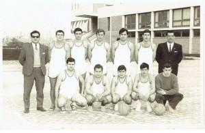 FOTO 4.- 1968-69 primer equipo del  Club Nautico   Denia