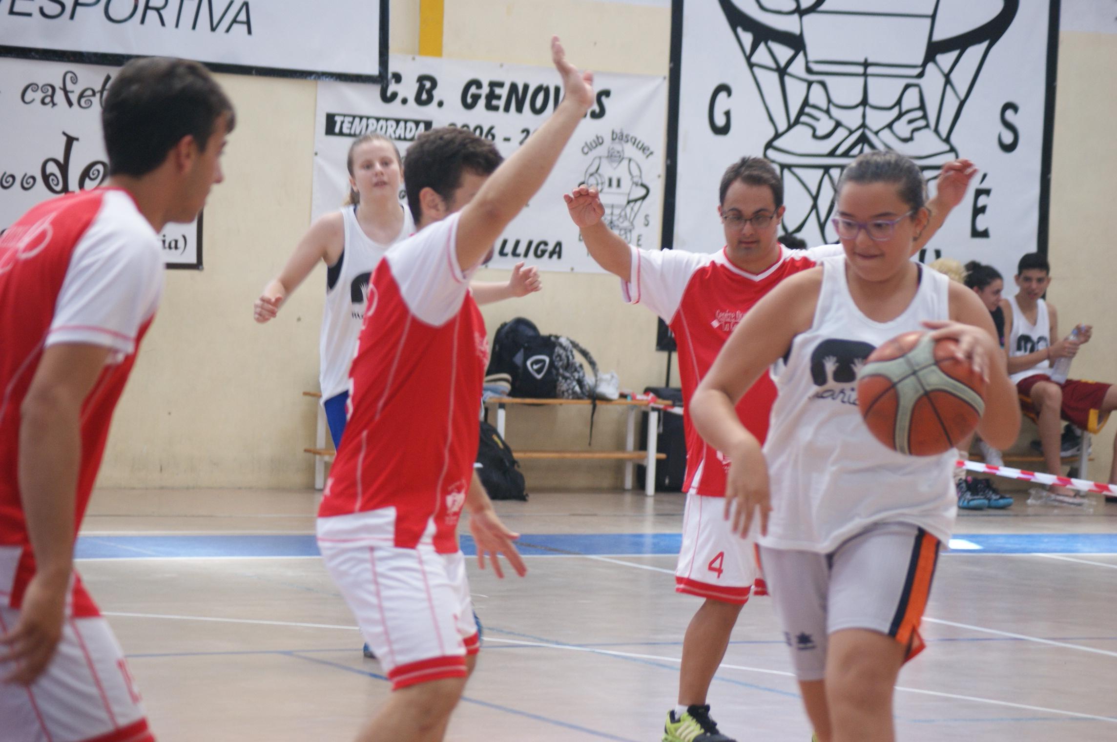 026d51caf9 Partido de baloncesto entre jugadores con y sin diversidad funcional en  Genovés (Valencia)